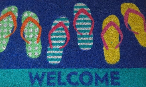 colorful-welcome mat for beach house